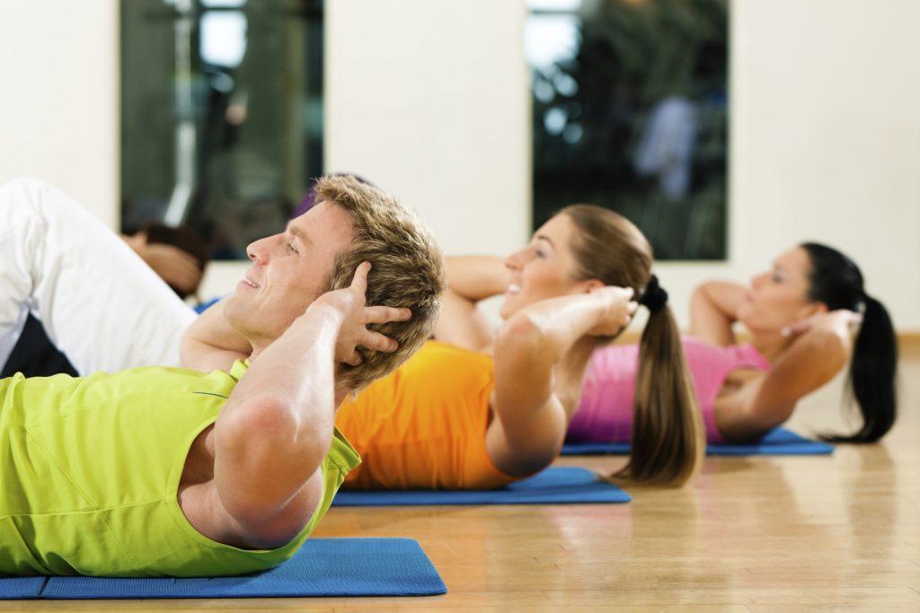 practicar ejercicio de forma continua y moderada es uno de los hábitos saludables claves para prevenir las enfermedades cardiovasculares