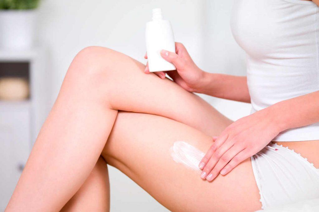 El uso de cremas con alto contenido en ceramidas son de gran ayuda para la dermatitis herpetiforme ya que impiden la deshidratación de las zonas corporales más sensibles.