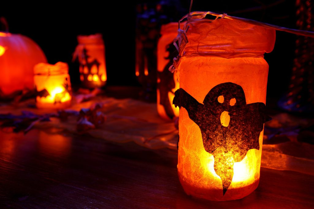 velas halloween con papel maché